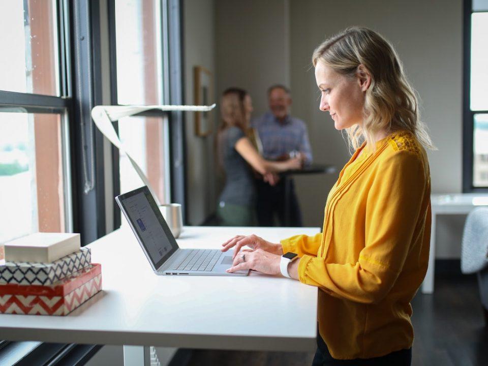 Commejnt le coworking influence les entreprises traditionnelles